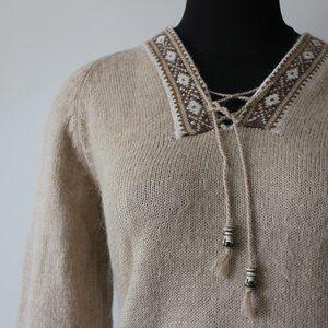 Peruvian Beige/Cream Sweater